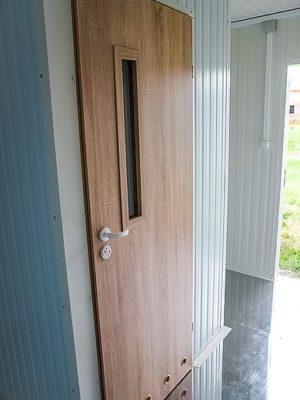 pomieszczenie sanitarne - wejscie